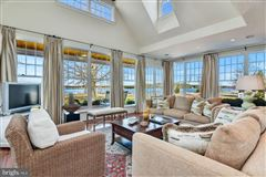 Luxury real estate wonderful St Michaels waterfront home