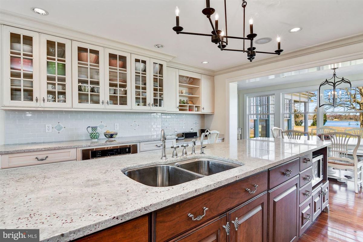 Luxury homes in wonderful St Michaels waterfront home