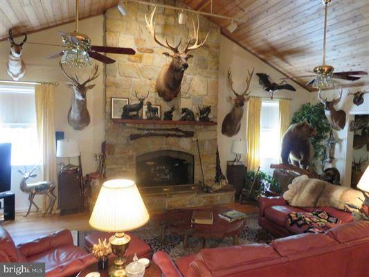 Wonderful hunting property luxury homes