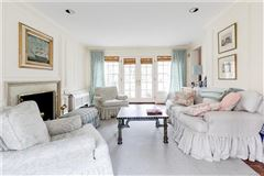 charming Colonial Revival in Westmoreland Place luxury homes