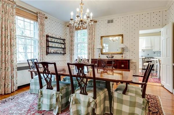 charming Colonial Revival in Westmoreland Place luxury properties