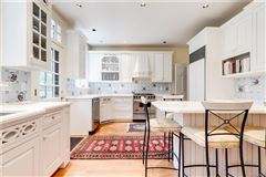 Luxury properties charming Colonial Revival in Westmoreland Place