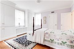 Luxury real estate charming Colonial Revival in Westmoreland Place