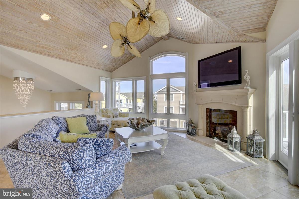 Luxury homes This elegant beach house is located just two lots from the oceanfront