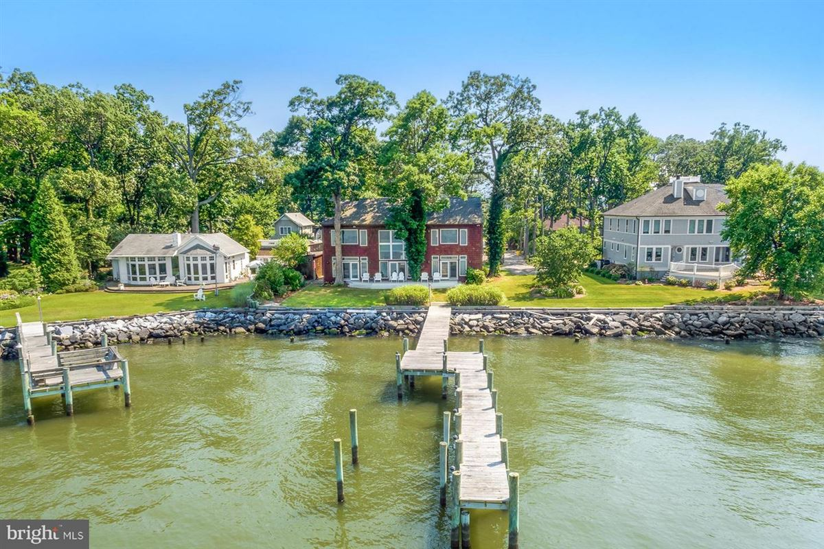 Mansions Chesapeake Bay waterfront home in Shady Side