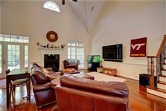 Mansions stately executive home in the heart of York County