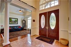 Luxury homes stately executive home in the heart of York County