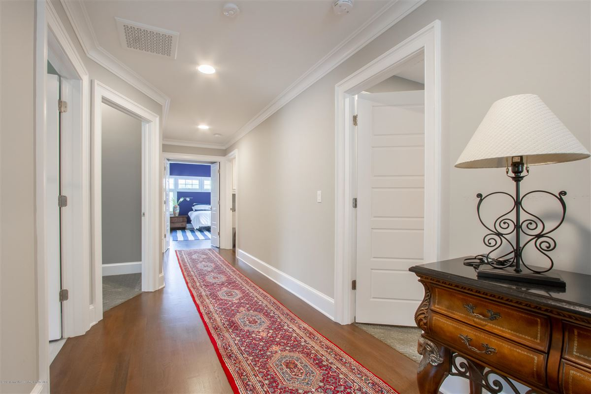 pristine custom home luxury properties