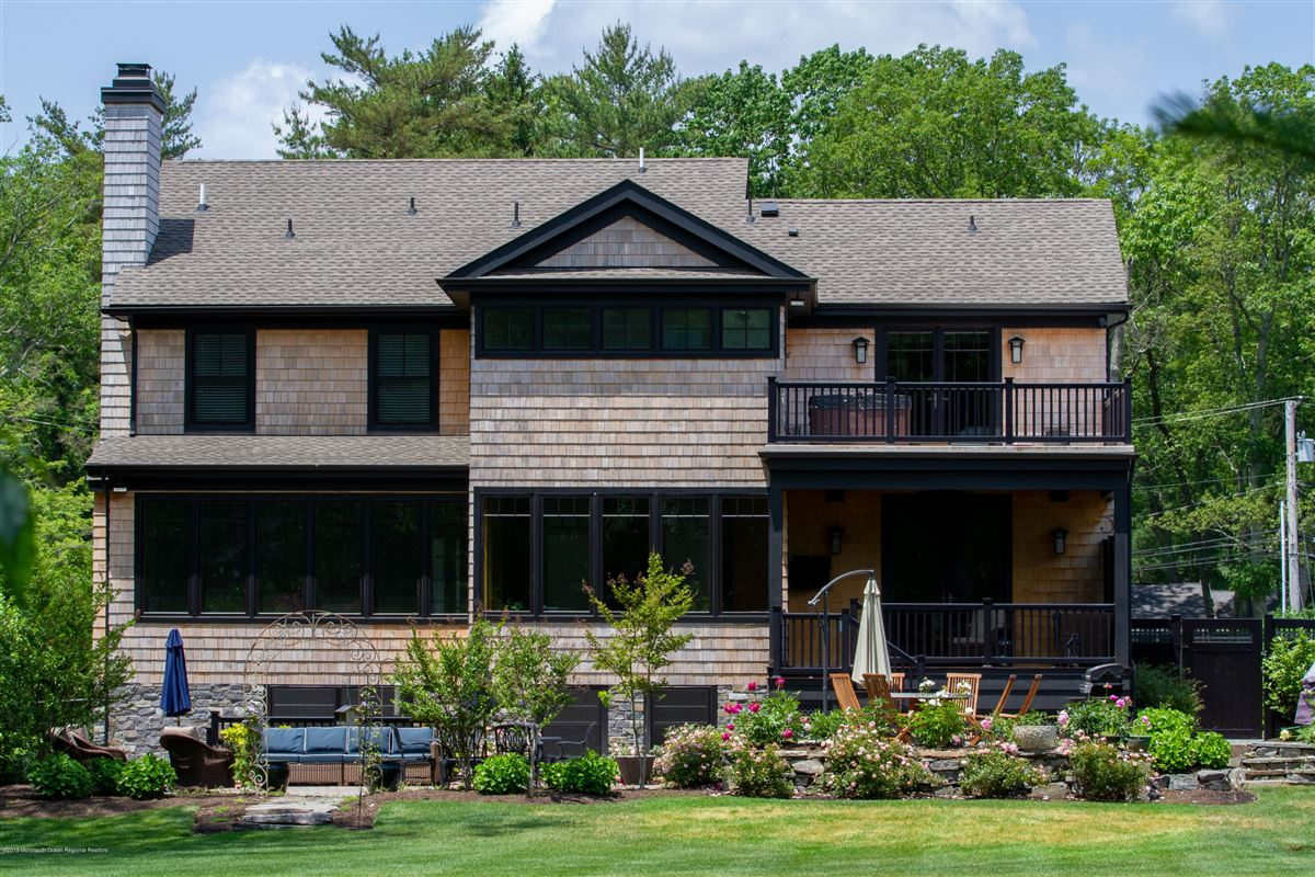 Mansions in pristine custom home