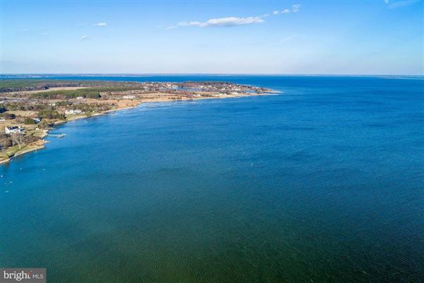 Waterfront lot on the Bay in stevensville luxury homes