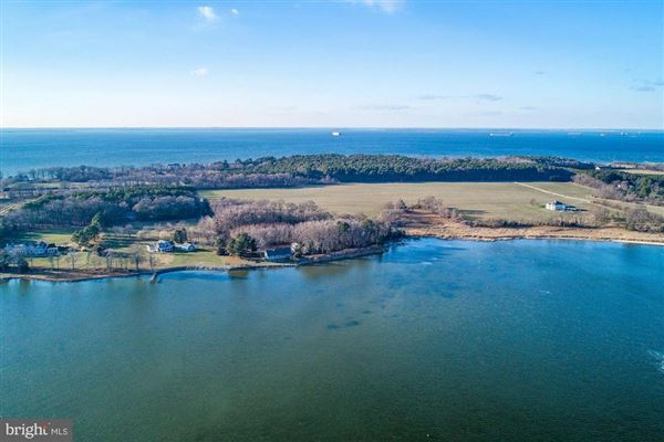 Luxury real estate Waterfront lot on the Bay in stevensville