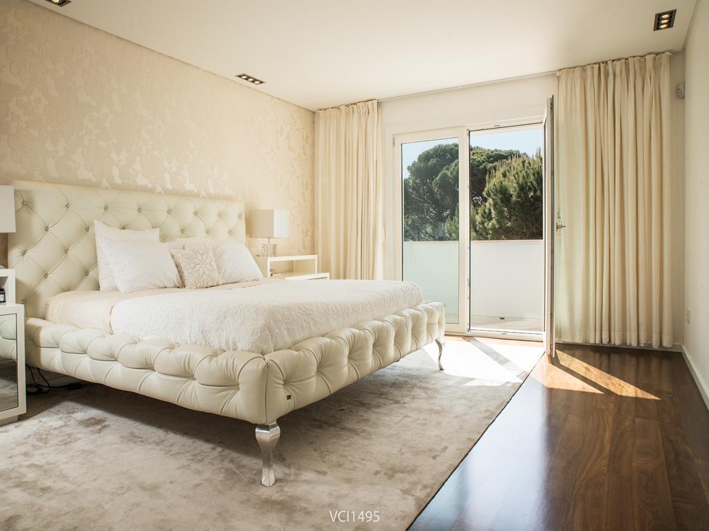 Mansions in Fantastic Villa in Quinta da Penha Longa