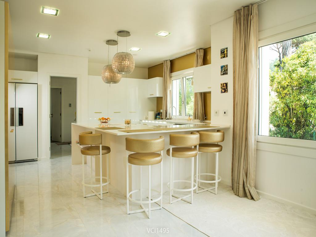 Mansions Fantastic Villa in Quinta da Penha Longa