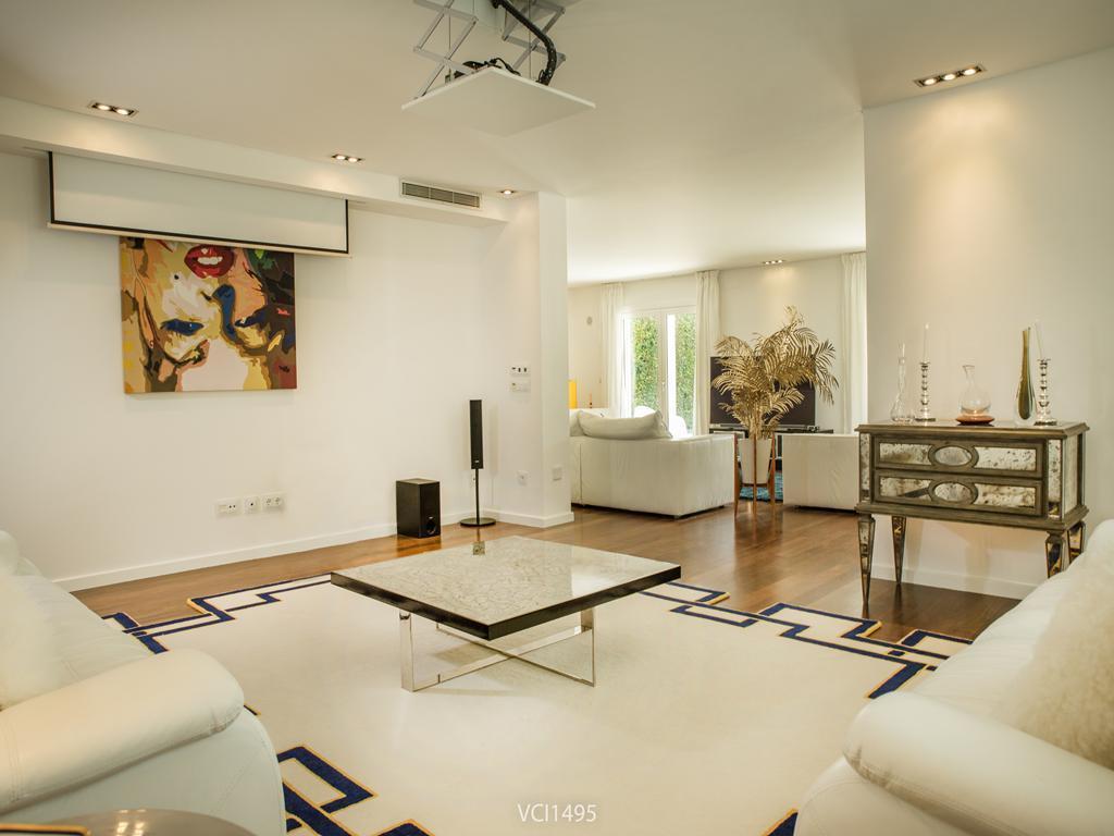 Luxury real estate Fantastic Villa in Quinta da Penha Longa