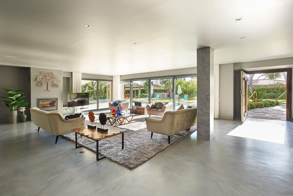 Contemporary Exclusive Property in Cascais mansions
