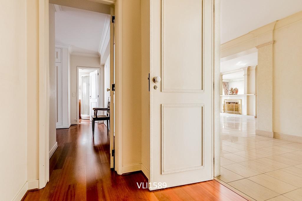 5 Bedroom Apartment in Vibrant Lisbon luxury properties