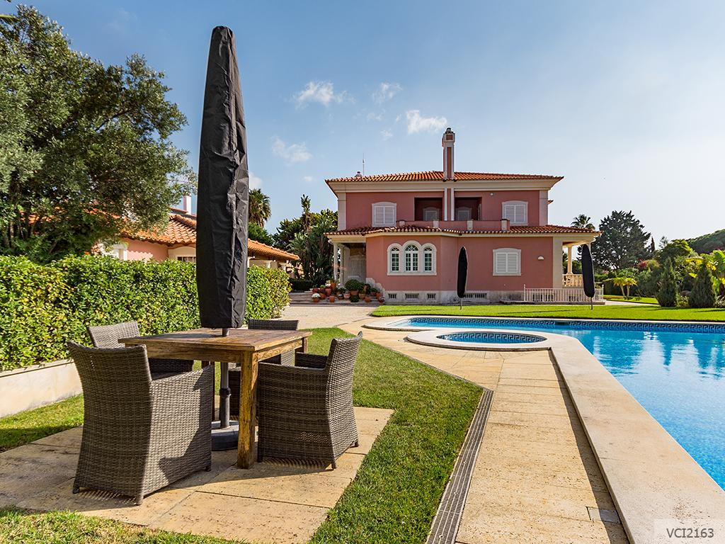 Luxury properties Stunning Villa in Cascais
