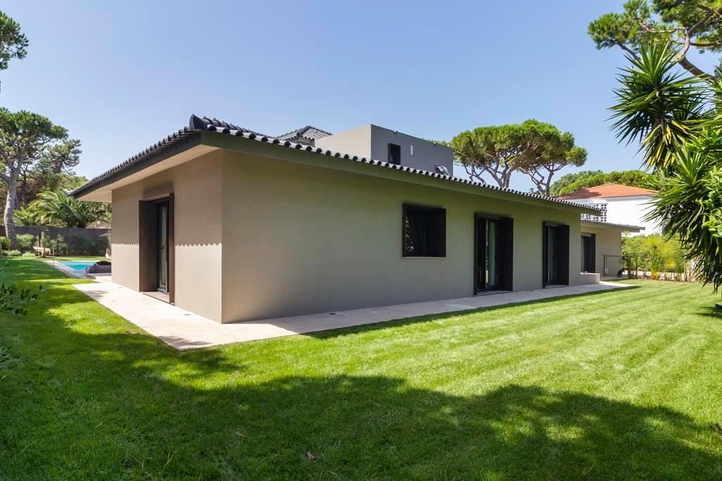 Luxury homes BEAUTIFUL STYLISH VILLA IN QUINTA DA MARINHA