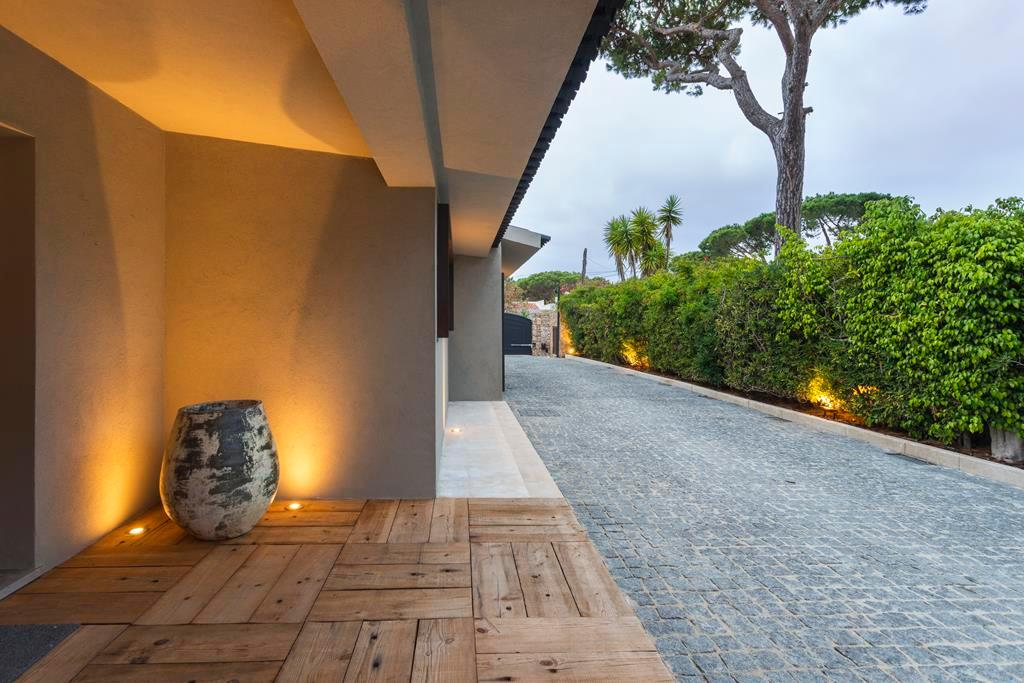 BEAUTIFUL STYLISH VILLA IN QUINTA DA MARINHA luxury real estate