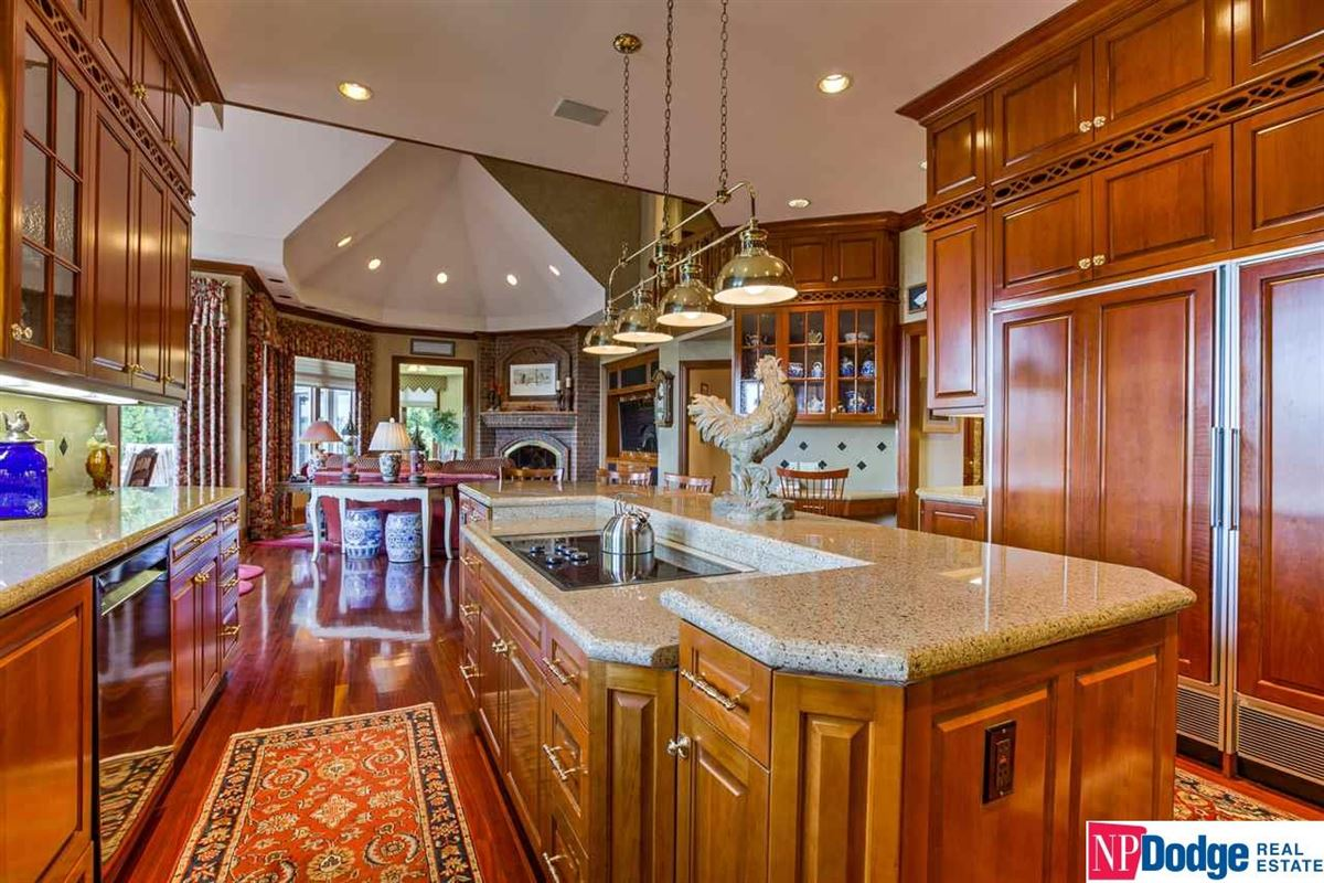 Mansions classic stunner with layers of luxury detail