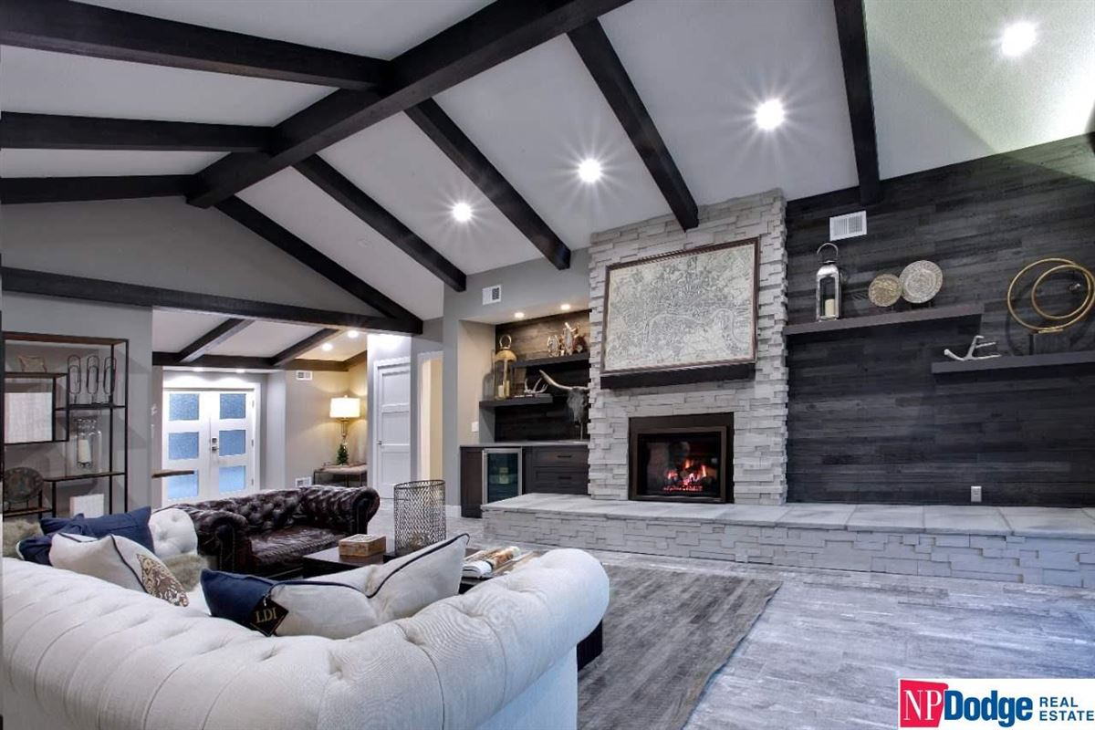 Luxury homes Come home and relax in Tomlinson Woods