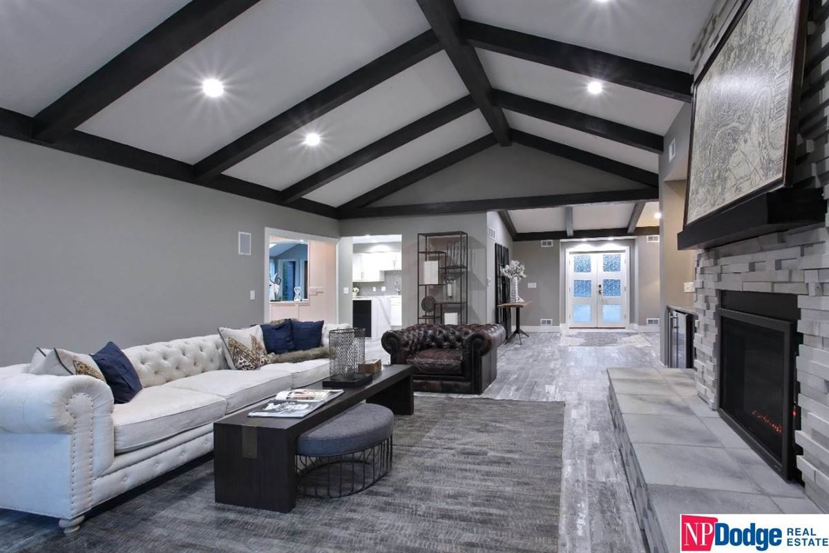 Come home and relax in Tomlinson Woods luxury homes