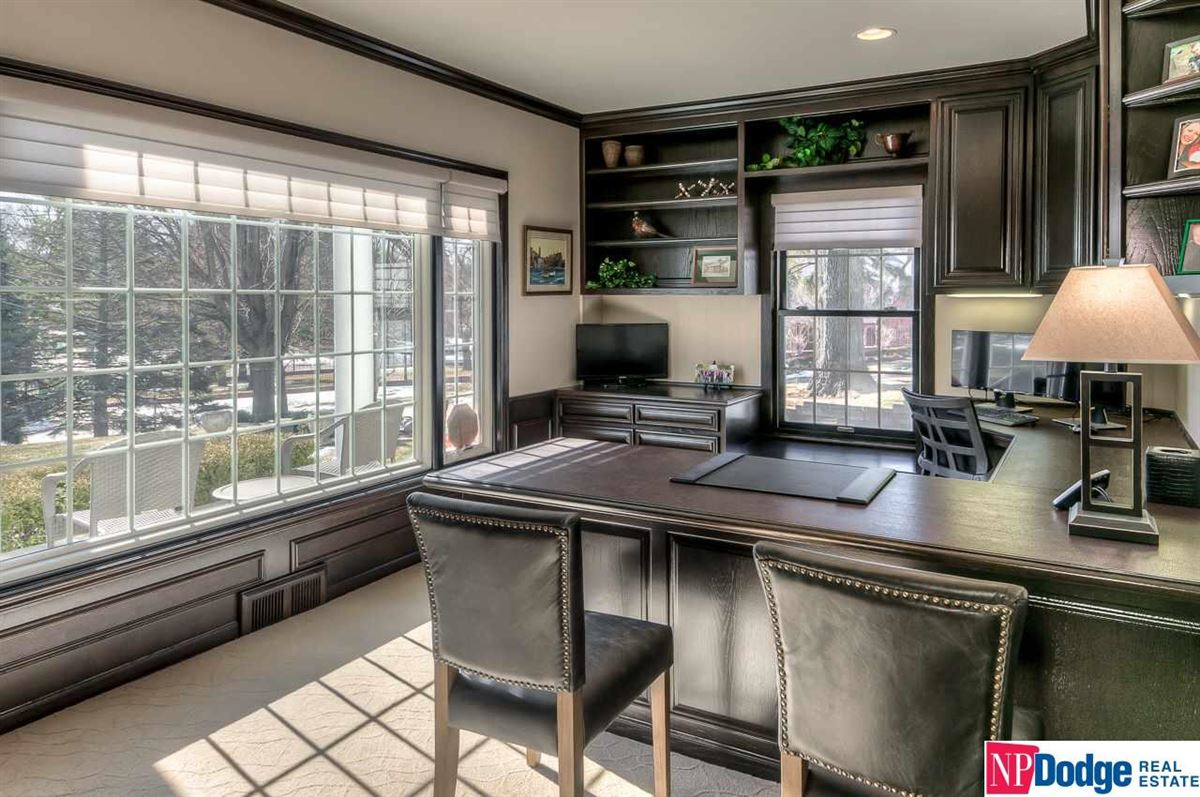 Mansions in Fabulously updated Fairacres dream home