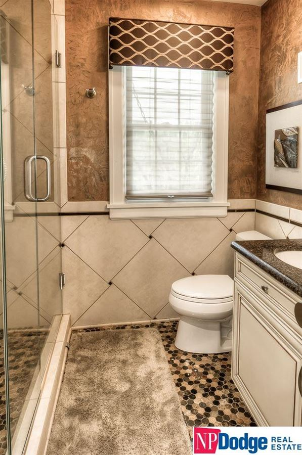 Mansions Fabulously updated Fairacres dream home