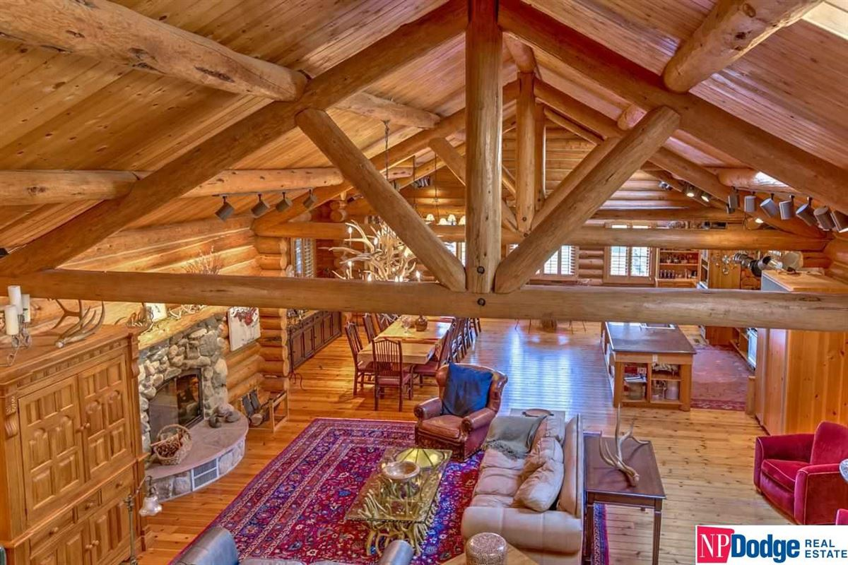 AUTHENTIC LOG Home and Guest Lodge mansions
