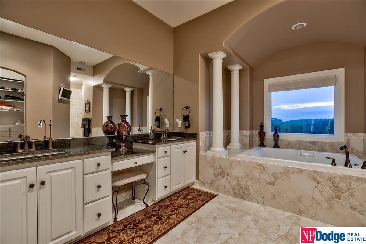 Luxury properties spectacular luxurious custom-built home on gorgeous acres