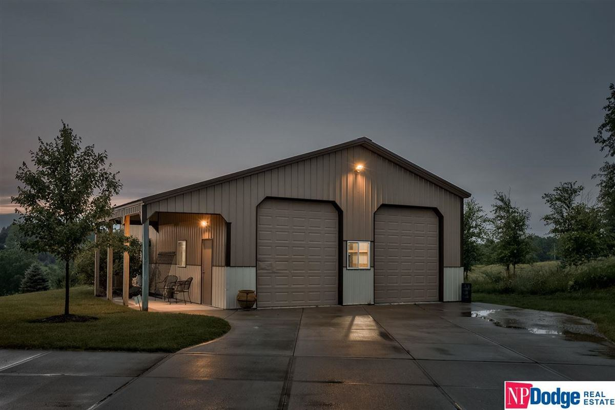 spectacular luxurious custom-built home on gorgeous acres luxury properties