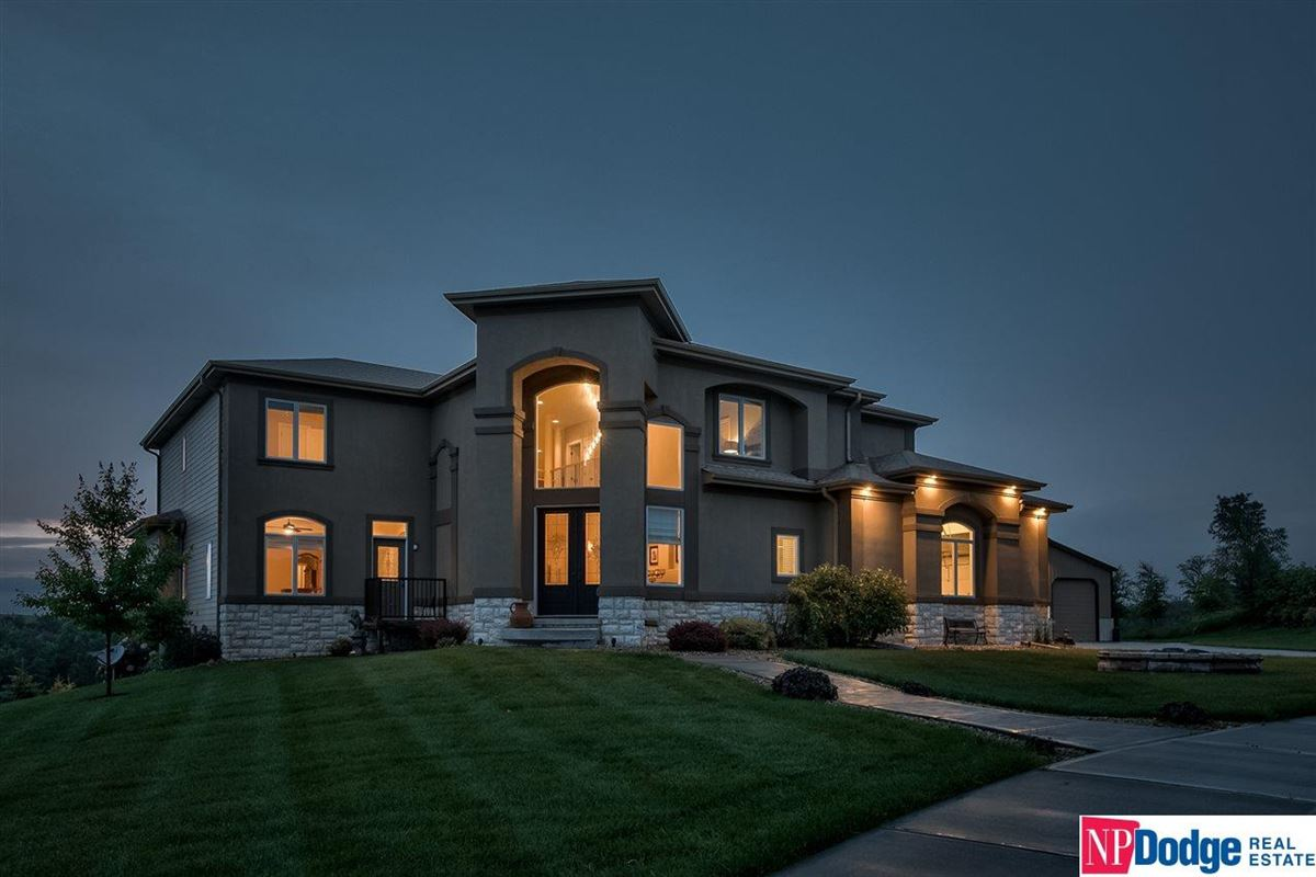 spectacular luxurious custom-built home on gorgeous acres mansions
