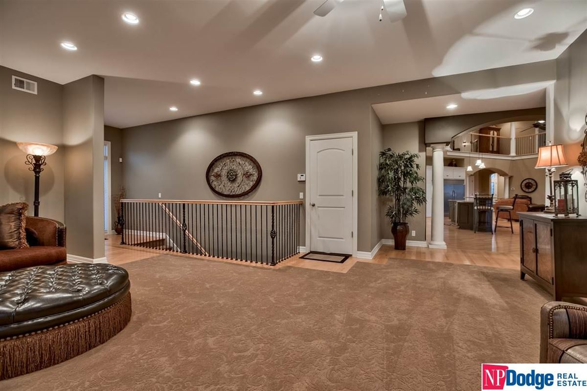 Mansions spectacular luxurious custom-built home on gorgeous acres