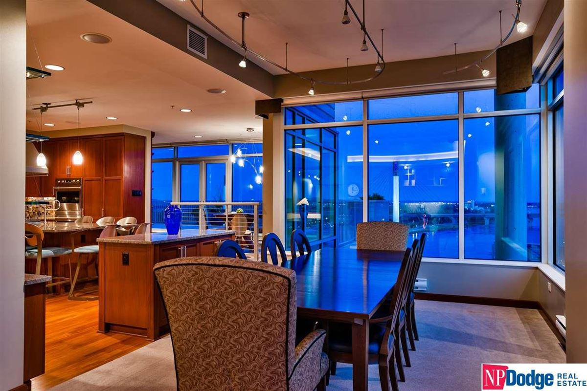Luxury real estate A dream to live in the entire top floor of this 555 Riverfront Building
