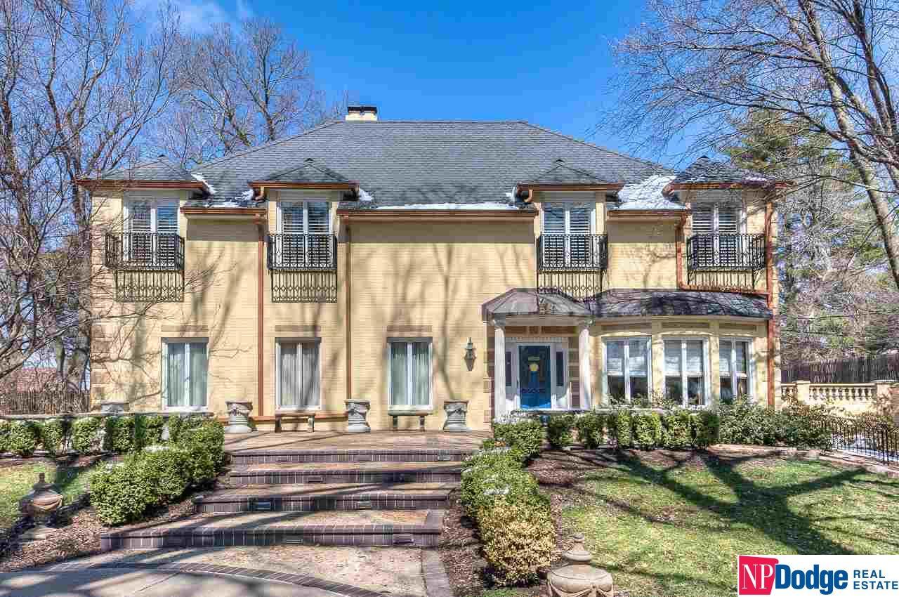 Nebraska Luxury Homes and Nebraska Luxury Real Estate