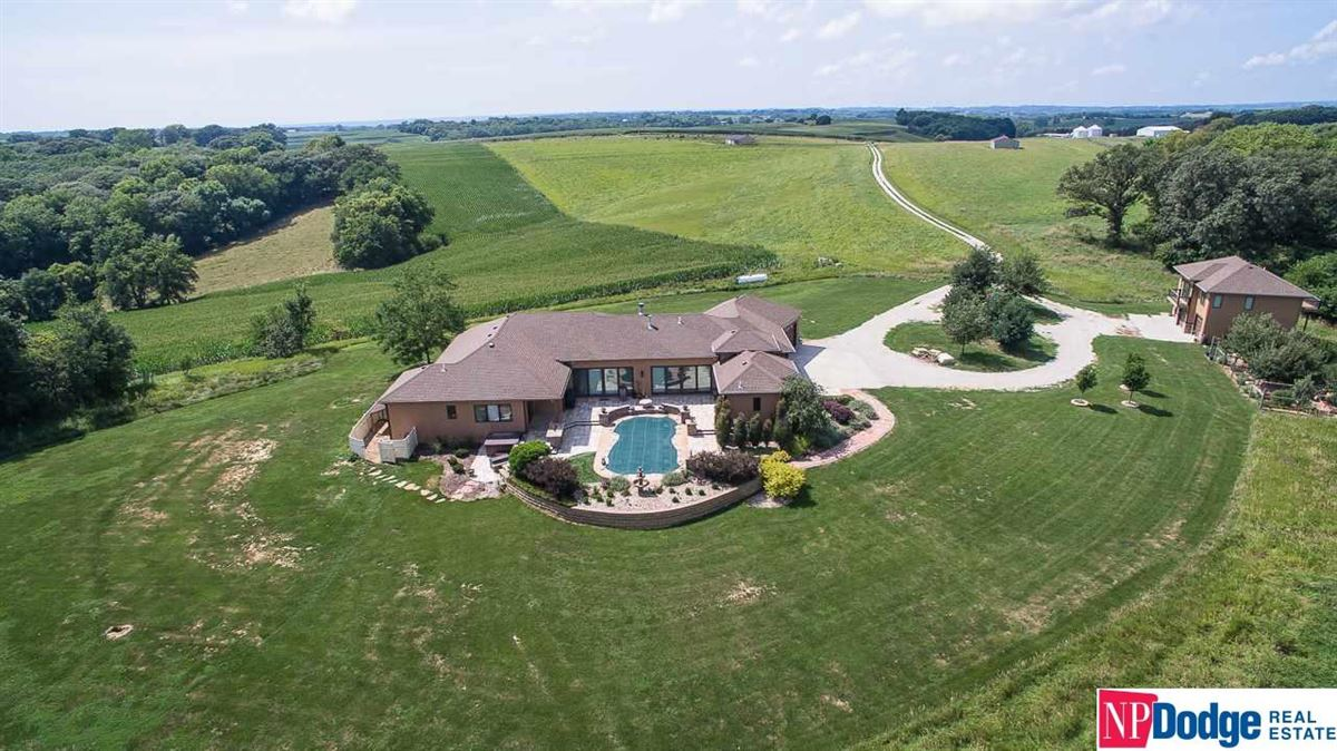 Luxury real estate Amazing Property On Large And Pristine Acres
