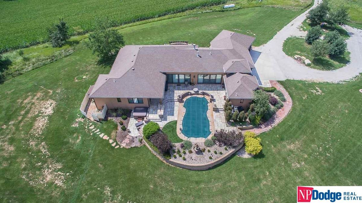 Luxury properties Amazing Property On Large And Pristine Acres