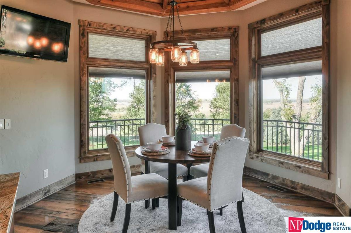 Luxury properties High river views