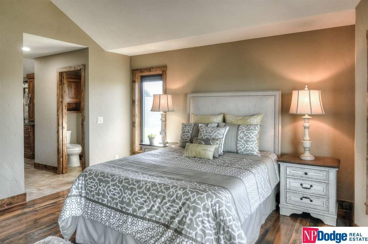 Luxury homes High river views