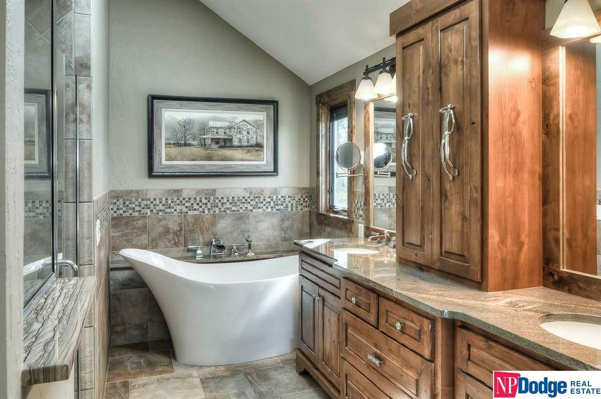 Luxury real estate High river views
