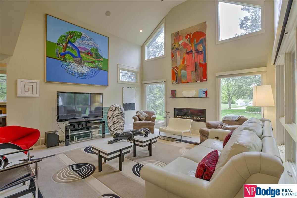 Luxury homes a Beauty in Westchester Subdivision