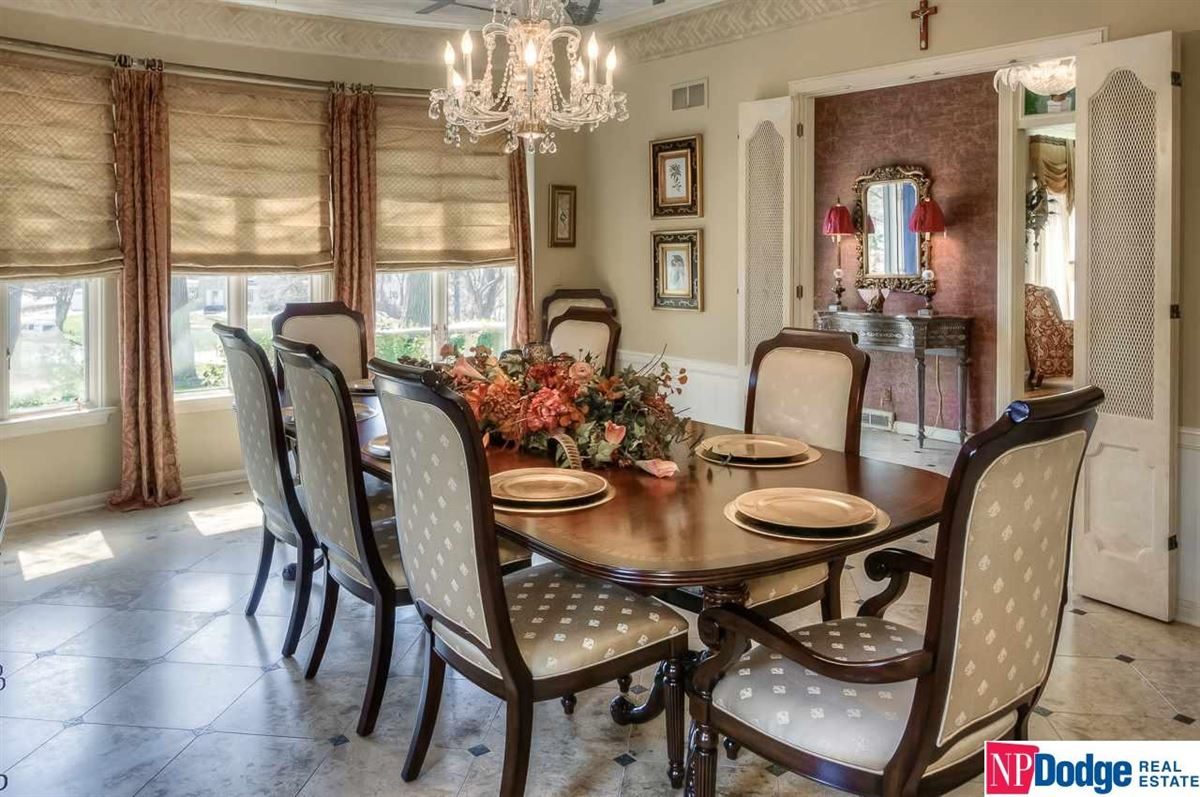 Luxury properties Exquisite French Provincial Fairacres Masterpiece