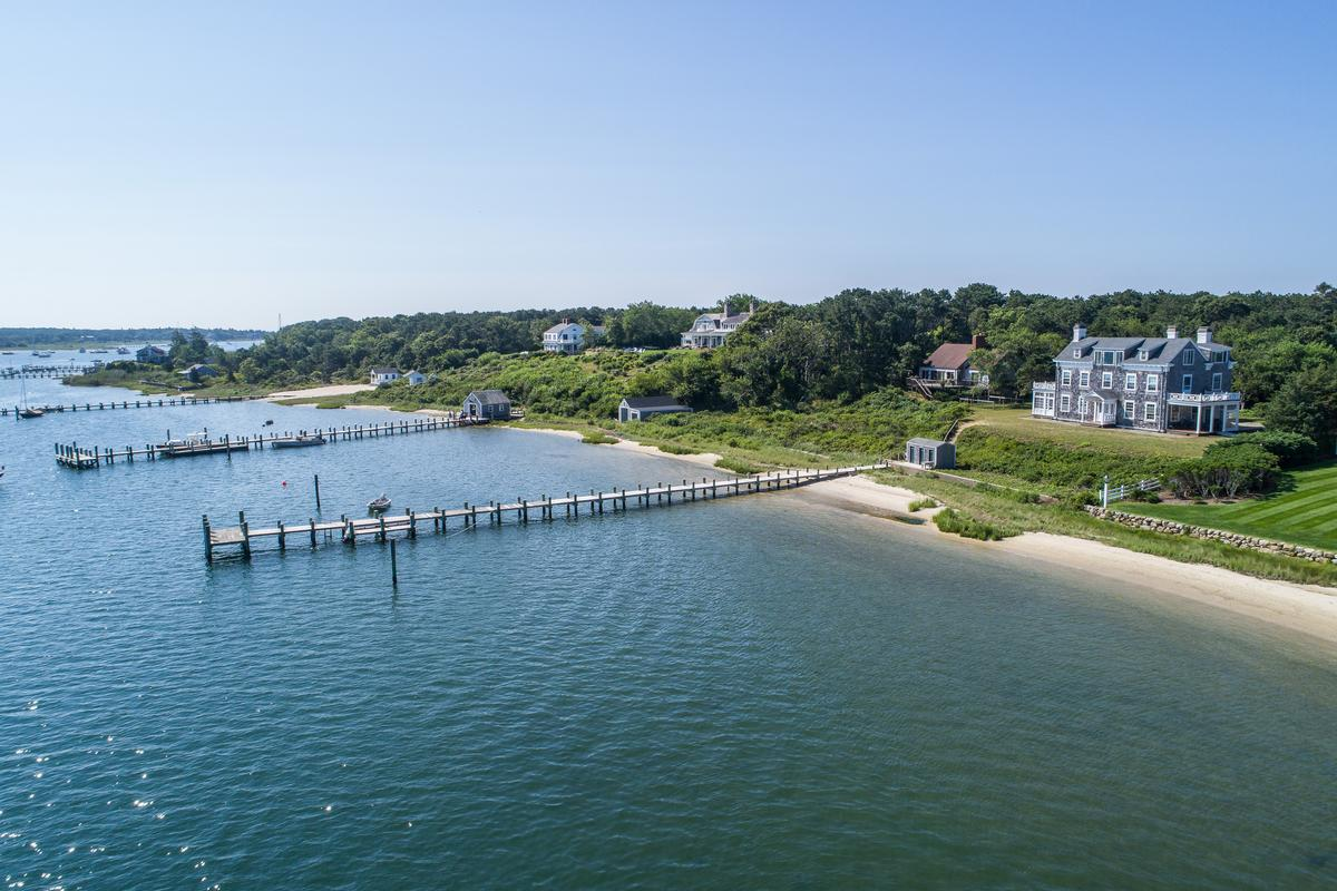Luxury homes EDGARTOWN Harbor