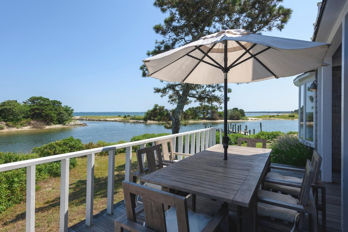 Luxury properties HARTHAVEN WATERFRONT WITH PRIVATE DOCK