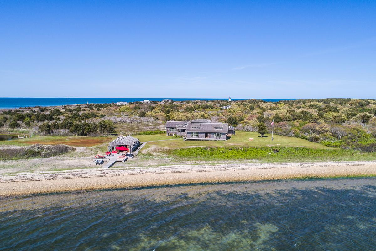 Luxury real estate CAPE POGE RETREAT