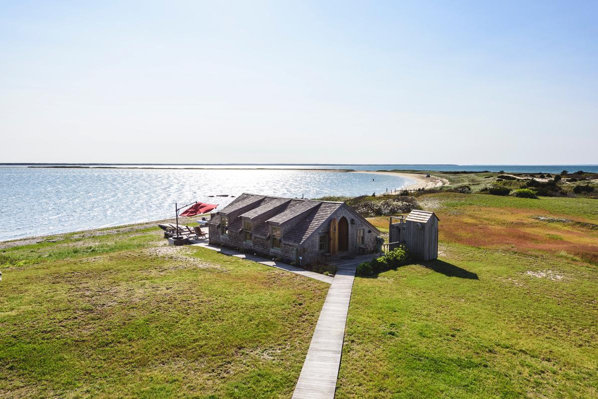 Mansions CAPE POGE RETREAT