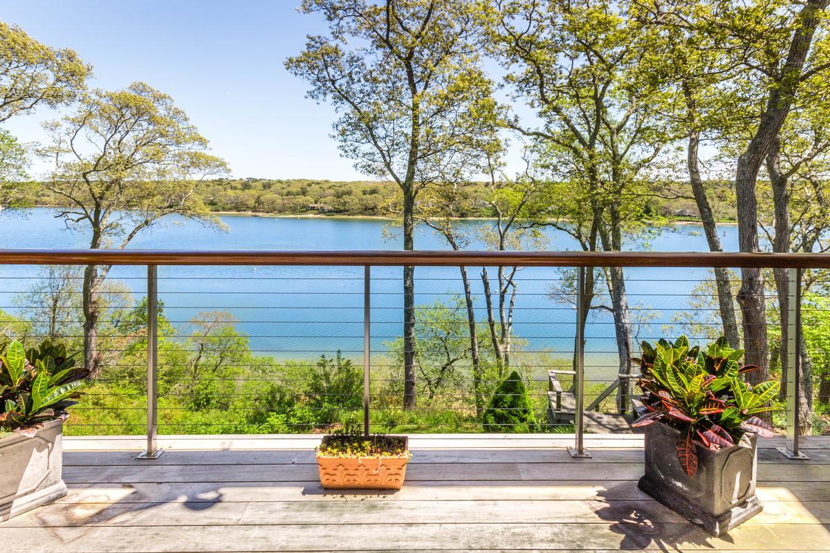 Mansions Stunning Elegance on Lagoon Pond
