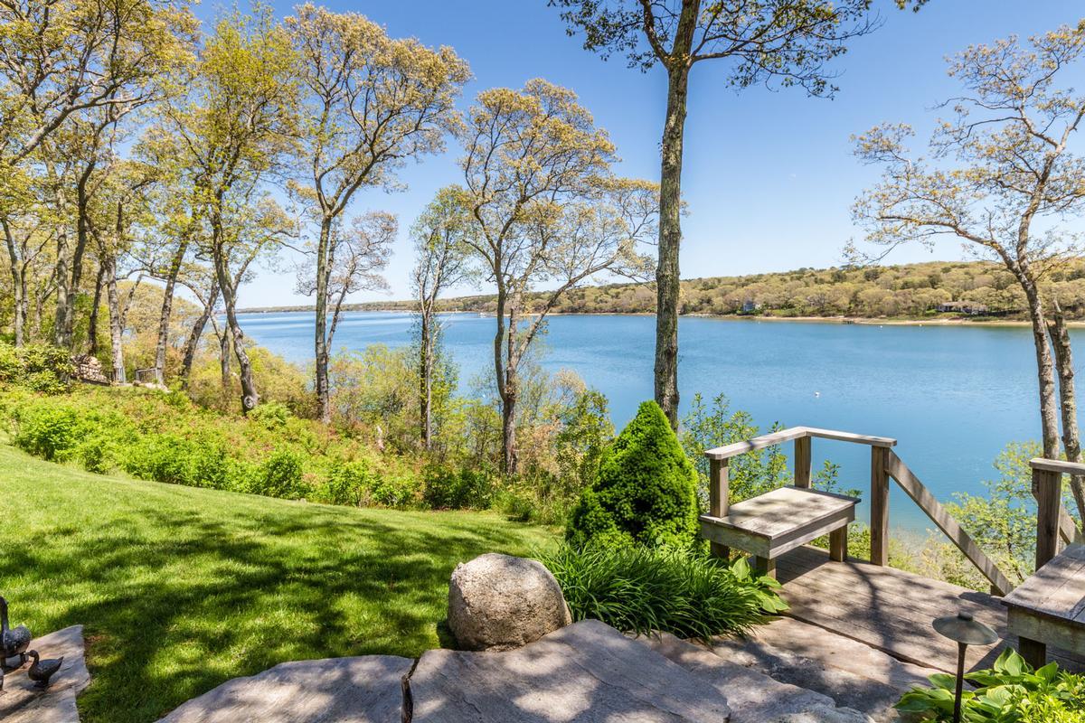 Stunning Elegance on Lagoon Pond luxury homes
