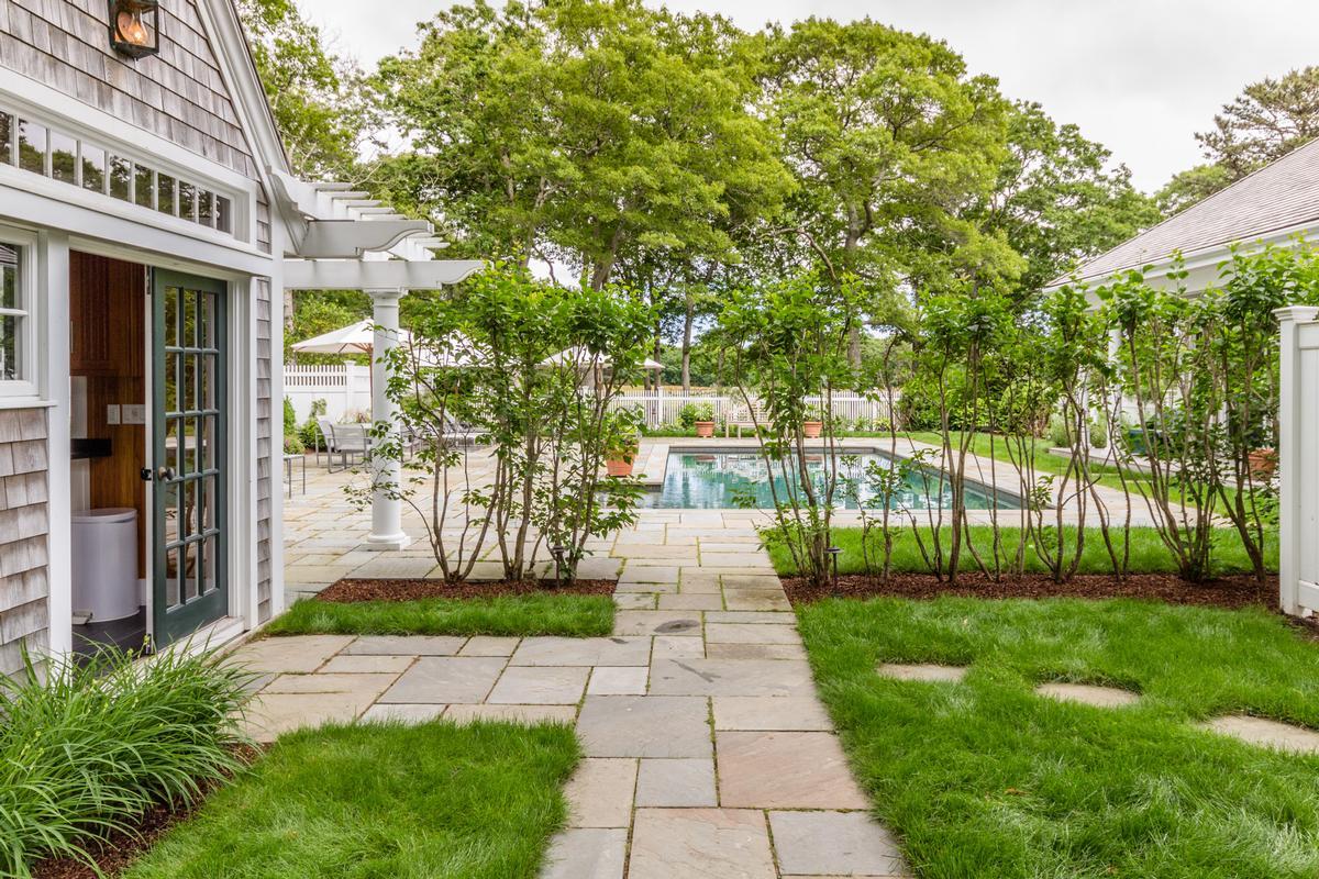 Mansions Spacious Vineyard Haven Home