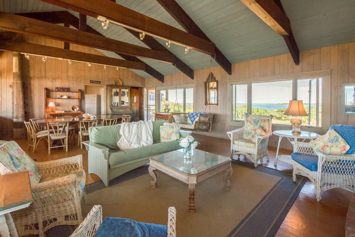 Luxury homes in North Neck - Spectacular Setting and Amazing Views